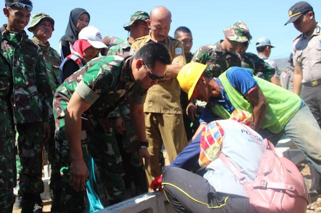 Satgas Gabungan Terpadu Gempa Sumbawa Menerima Cara Perakitan RISHA Dari Kementerian PUPR