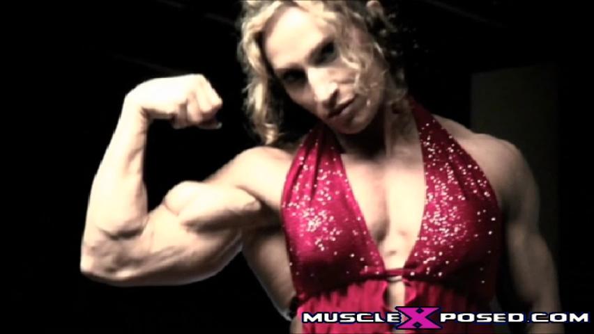Female Bodybuilder Klaudia Larson Sexy Peaked Biceps!