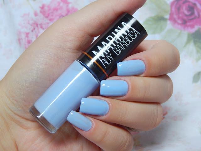 esmalte-azulzinho