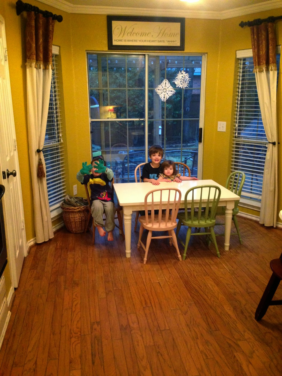 Kidkraft Table And Chairs: Momfessionals: Kids Table