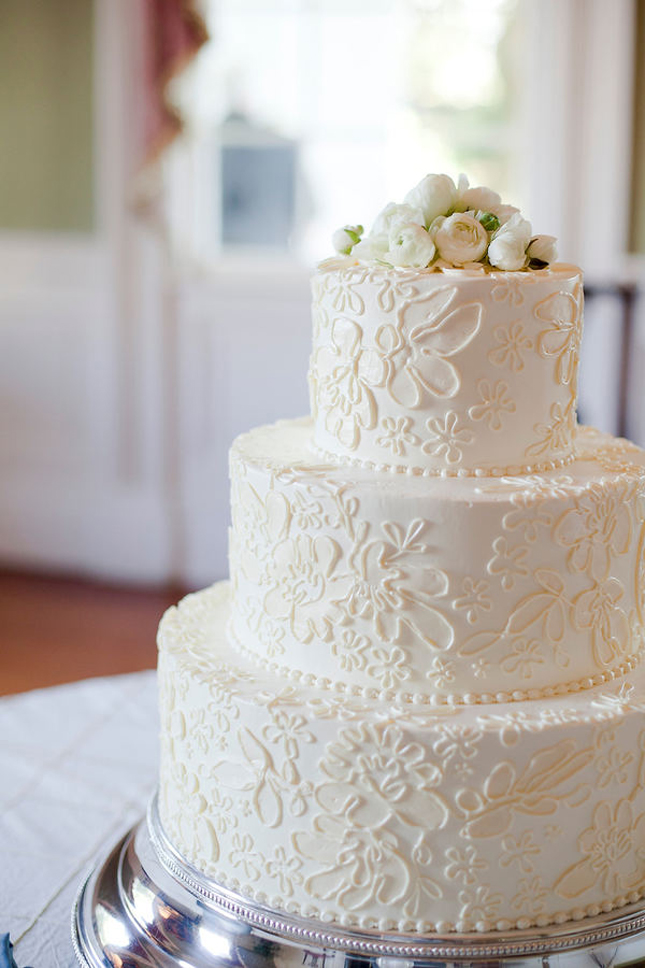 Wedding Trends Lace Cakes