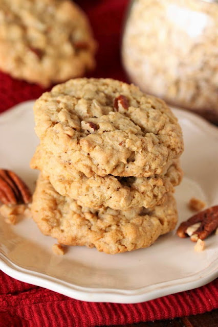 Toffee Oatmeal Cookies with Pecans