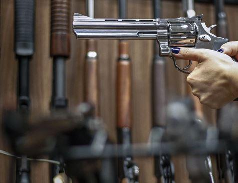 PT diz que irá ao STF contra decreto que facilita posse de armas no Brasil