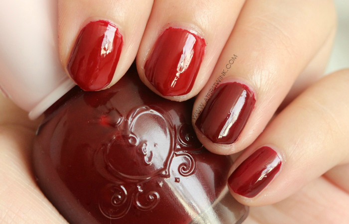 Etude House nail polish Minnie Red (left) and DRD301 - Why Wine (right)