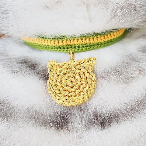 かぎ針編みの金メダルと首輪