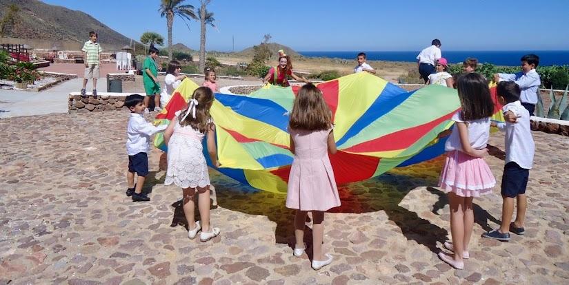 Animaciones infantiles con paracaídas
