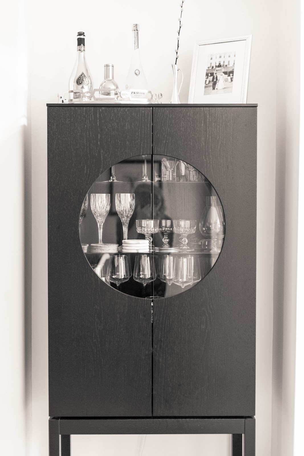WINE GLASS CABINET | FINNTERIOR DESIGNER
