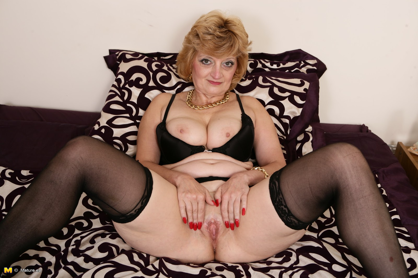 Mature Naked English Women