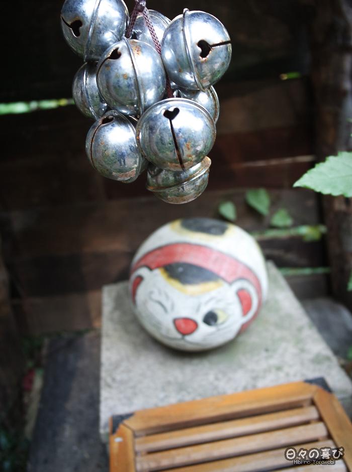 Sanctuaire maneki neko et son fukuishi-neko, Neko no Hosomichi, Onomichi, Hiroshima