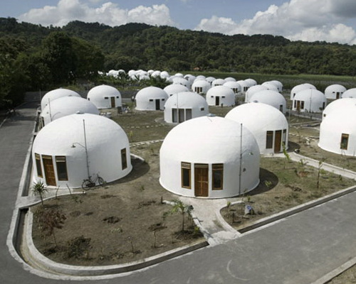 Tinuku.com Construction earthquake-resistant design dome home village in Yogyakarta
