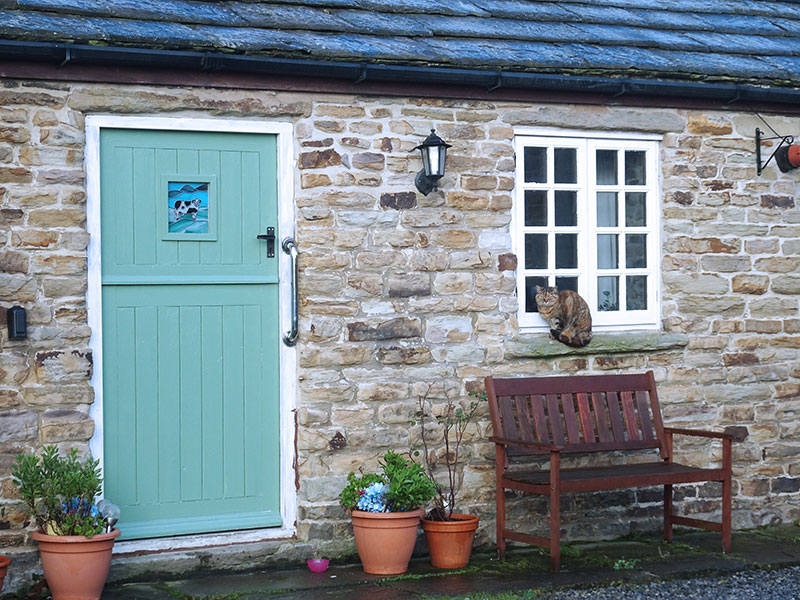 Holiday_Tawny_Owl_Barn_Cottage_Dawn_England_Countryside