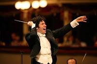 Maestro Orkestra Şefi