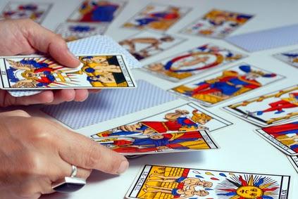 Les Secrets du Tarot  L APPRENTISSAGE DU TAROT... db69618d2d13