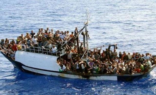ΆΡΧΙΣΑΝ τα ΟΡΓΑΝΑ στη Μεσόγειο: Πλοίο με ομάδα ατόμων με την ονομασία «Υπεράσπιση της Ευρώπης» κυνηγά πλοιάρια λαθρομεταναστών