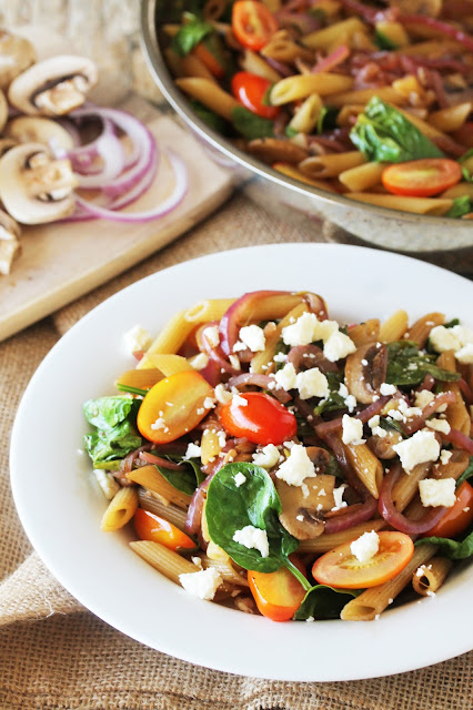 Tasty, light, and totally delicious would define this 15 Minute Easy Pasta Fresca. Give yourself an easy pasta for dinner that's full of veggies!