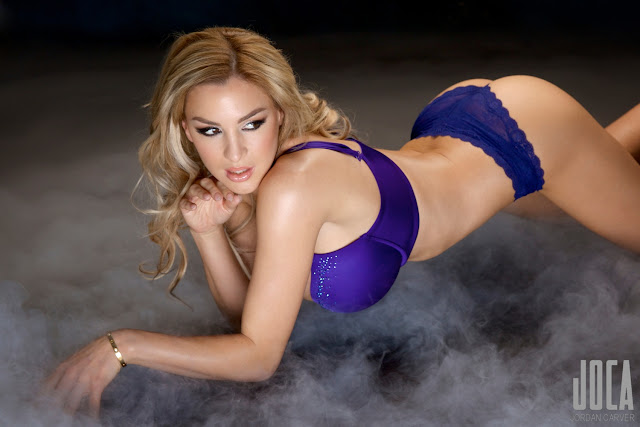 Jordan-Carver-WWL-Photo-Shoot-in-Hot-Blue-Bikini-HD-Picture-5