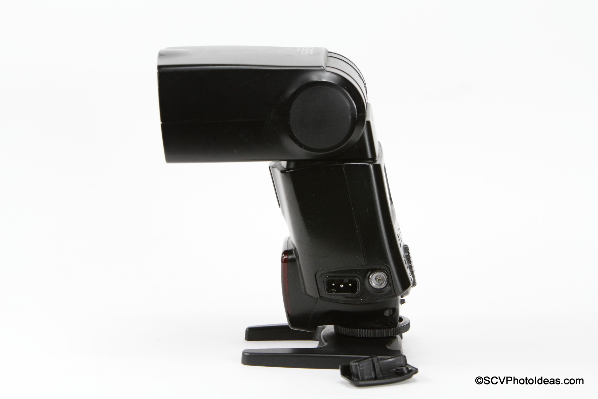 Canon Speedlite 580EX battery connector and mounting socket