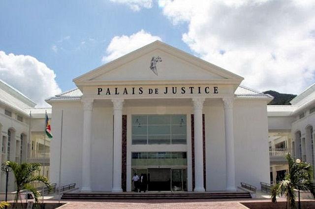Palais de Justice and Montagne Posée Prison