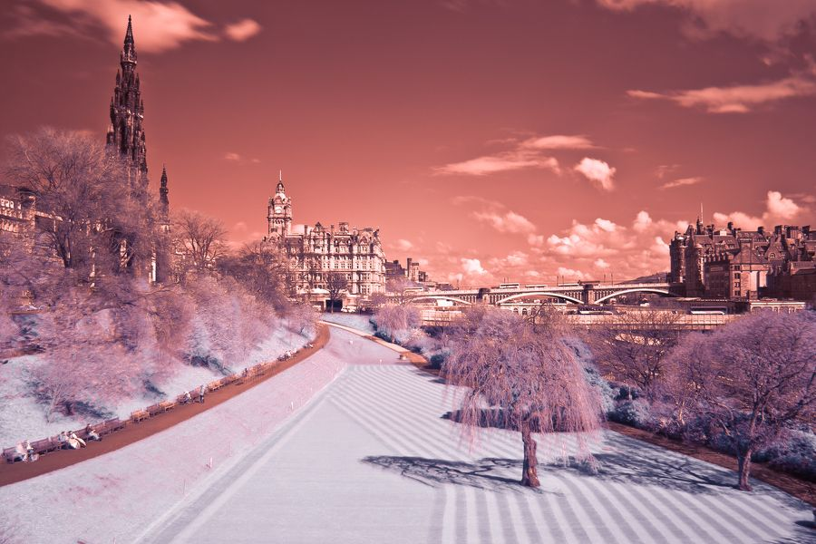 31. Edinburgh in Infrared photo by Mariusz Kosarzecki