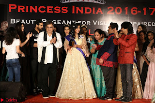 John Aham, Bhagyashree, Subhash Ghai and Amyra Dastur Attends Princess India 2016 17 061.JPG