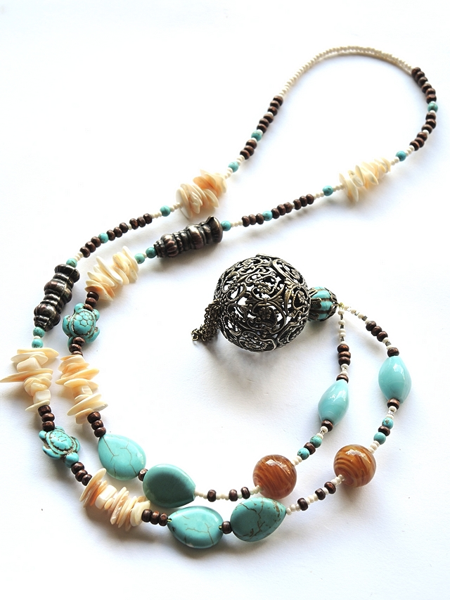 free tutorial to make your own boho chic necklace