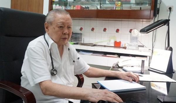 Dokter  yang Seumur Hidup Menolak Uang Pasien