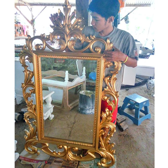Pigura Klasik Emas | Pigura Cermin Jepara