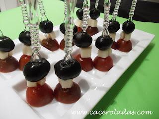 pincho de cherry, queso y aceituna