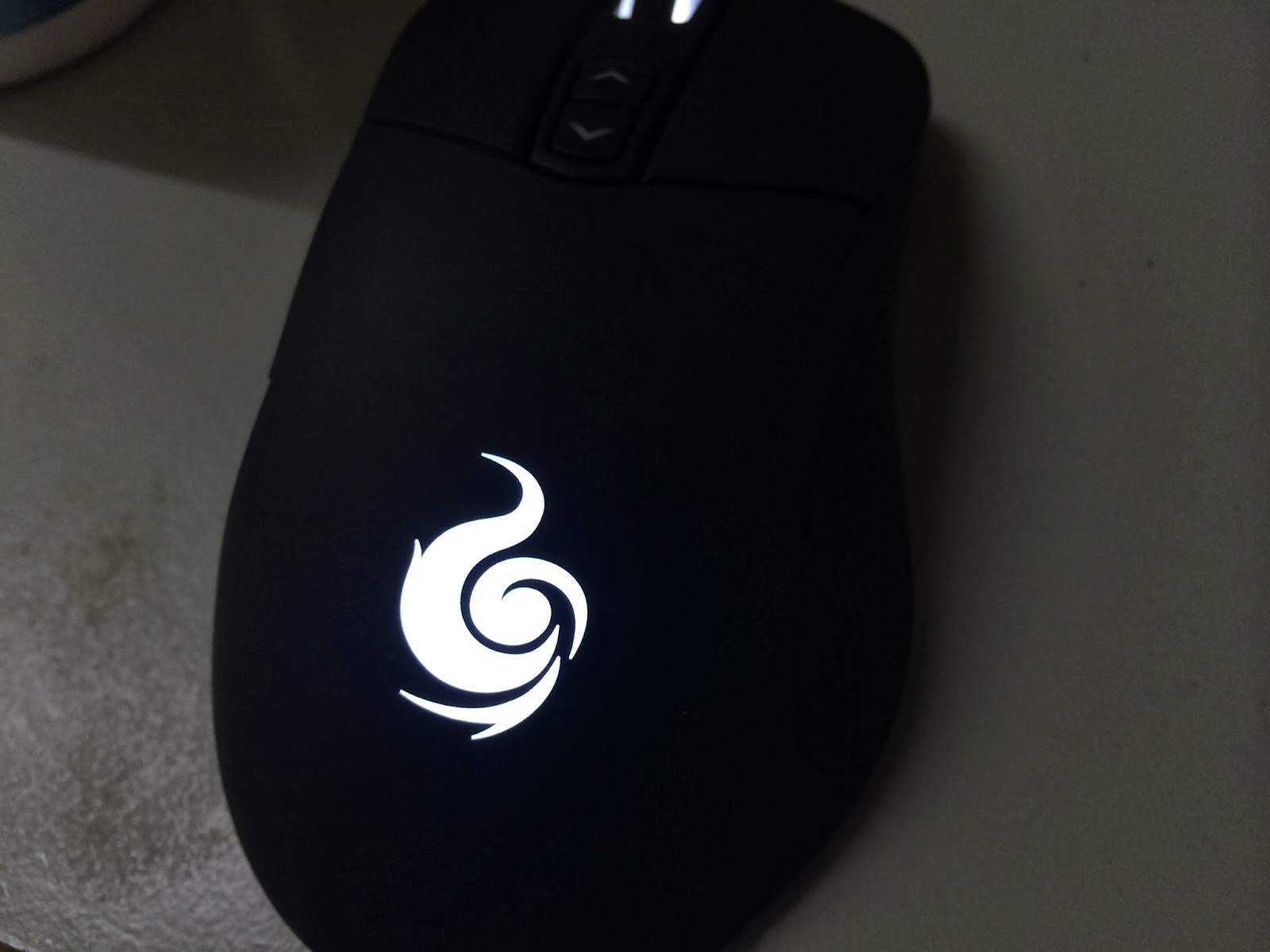 A Sneak Preview On The CM Storm Mizar Laser Gaming Mice 4