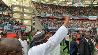 No more handouts, Buhari tells Nigerians at Uyo rally