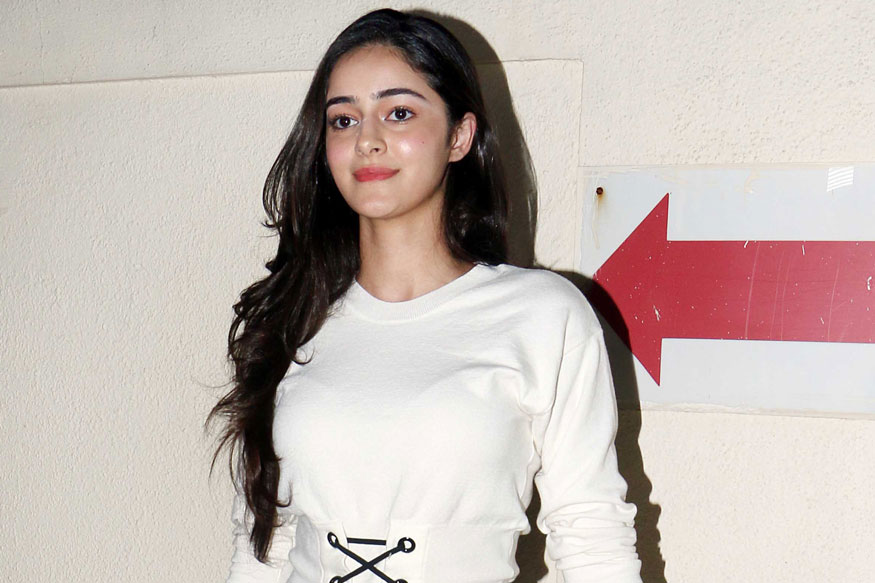 Bollywood Stars at Special Screening of Judwaa 2 Gallery