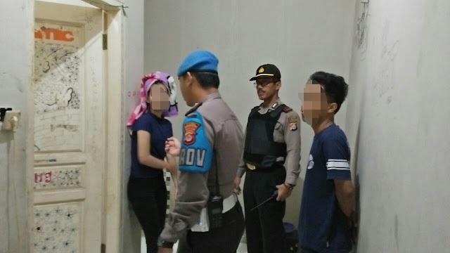 Polisi Amankan Pasangan Yang Diduga Berbuat Mesum di Sebuah Kost-Kostan