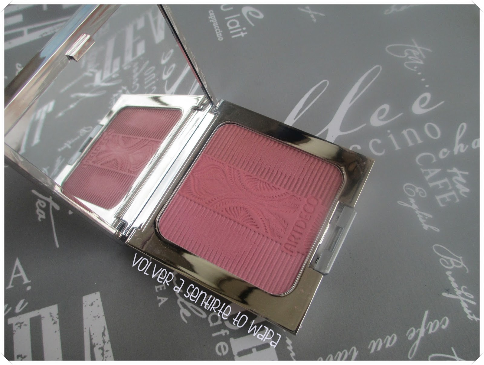 Glam Vintage Blusher de Art Deco