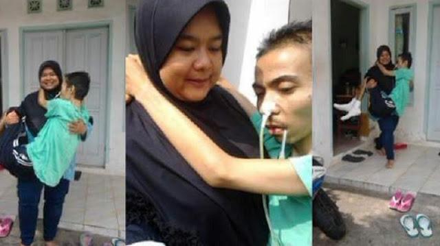 Getarkan Hati Ribuan Netizen, Begini Kisah Wanita Gendong Suaminya yang Sedang Sakit