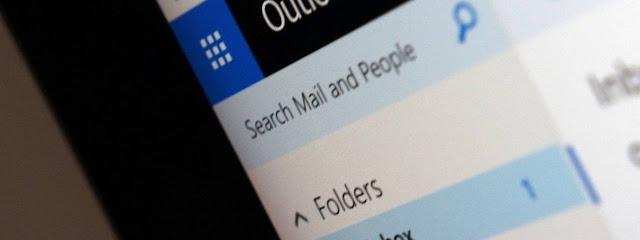 بعد أسابيع من حادثة خرق البيانات ، تبلغ ميكروسوفت مستخدمي Outlook.com عن حادثة اختراق أخرى