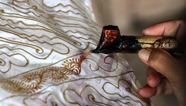Cara Membuat Batik Tulis Dengan Canting Beserta Gambarnya