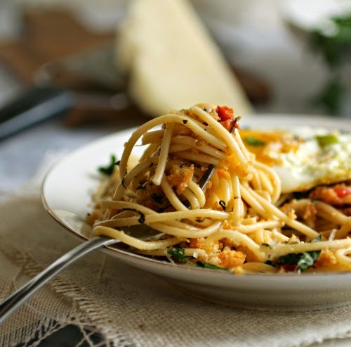 Spaghetti with Garlic Herb Breadcrumbs (Pangrattato)