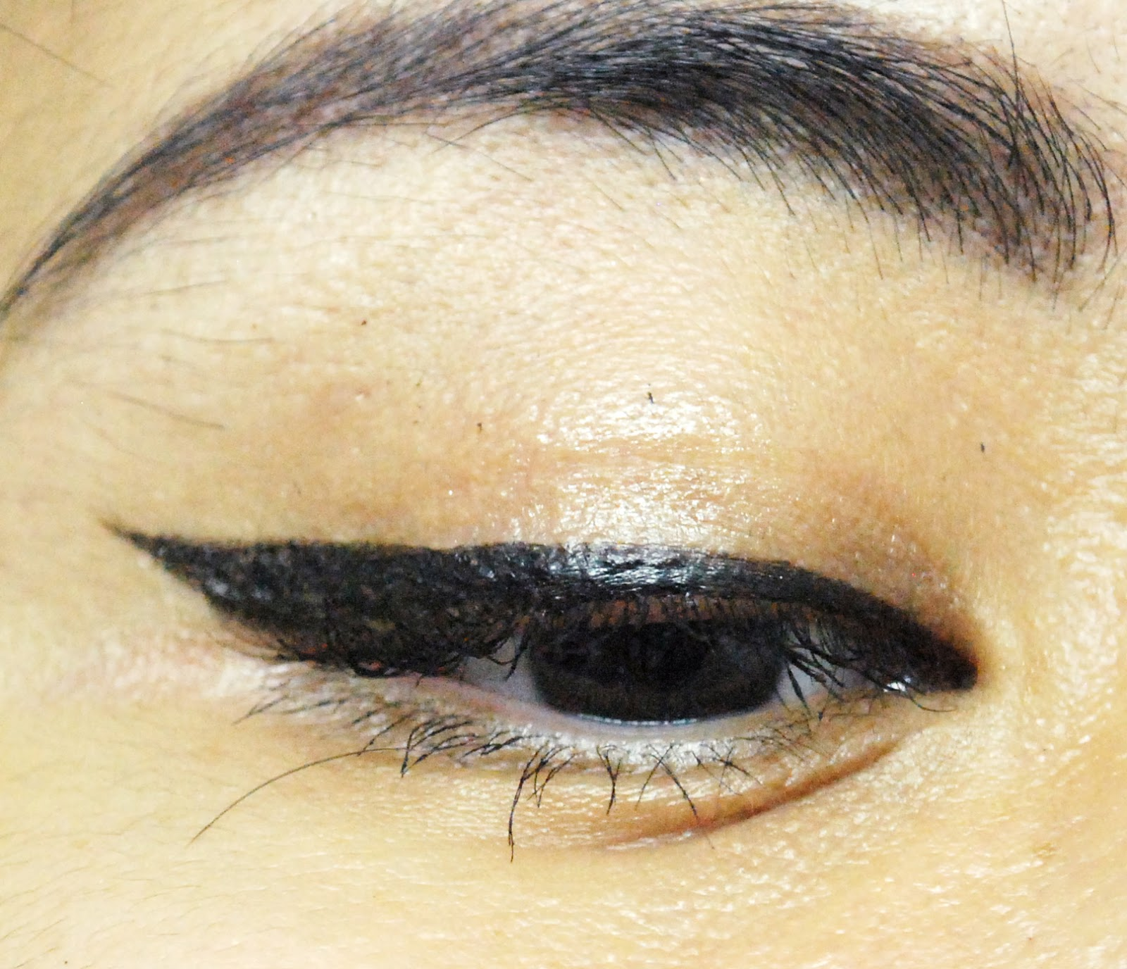 Peachy Pink Sisters Review Msh Love Liner Liquid In Rich Black Bourjois Eyeliner Stylo 61 Ultra Heres How It Looks When I Apply