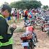 Delincuentes roban una motocicleta a disparos