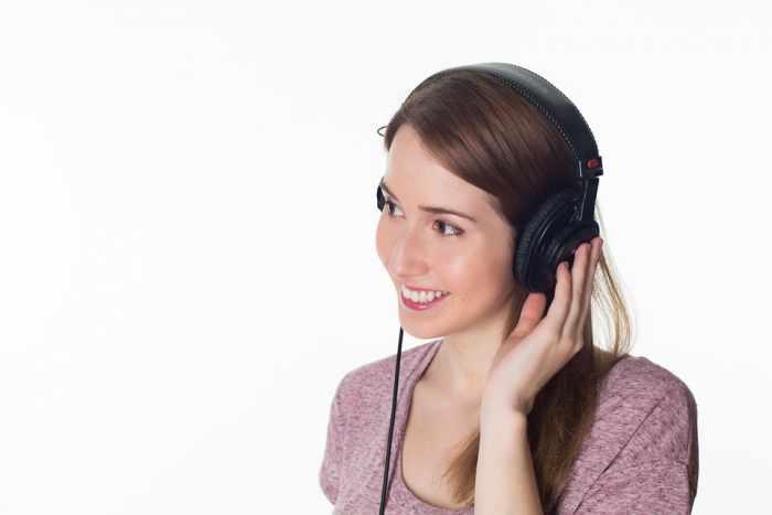 Anda mungkin berharap kalau nantinya bisa menemukan suatu headset yang mana benar Cara Menggunakan Headset yang Aman, Baik dan Benar