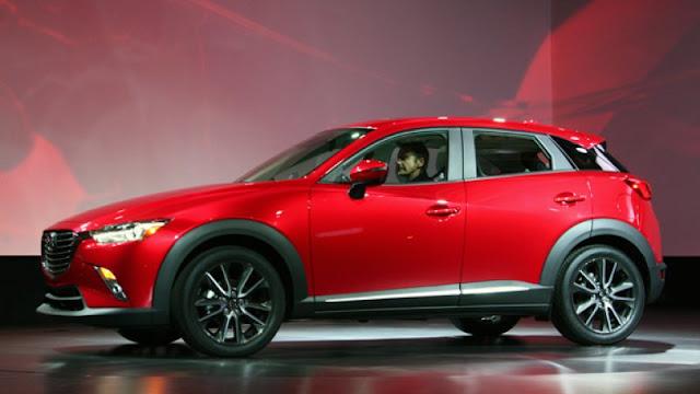 Mazda CX-3: side view