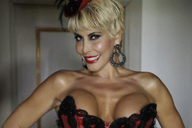 Scrivoquandovoglio milly d 39 abbraccio le lesbiche for Retro italian xxx