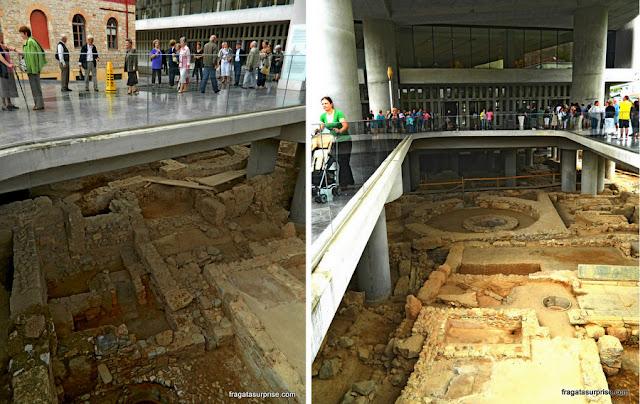 Escavações arqueológicas no Museu da Acrópole de Atenas