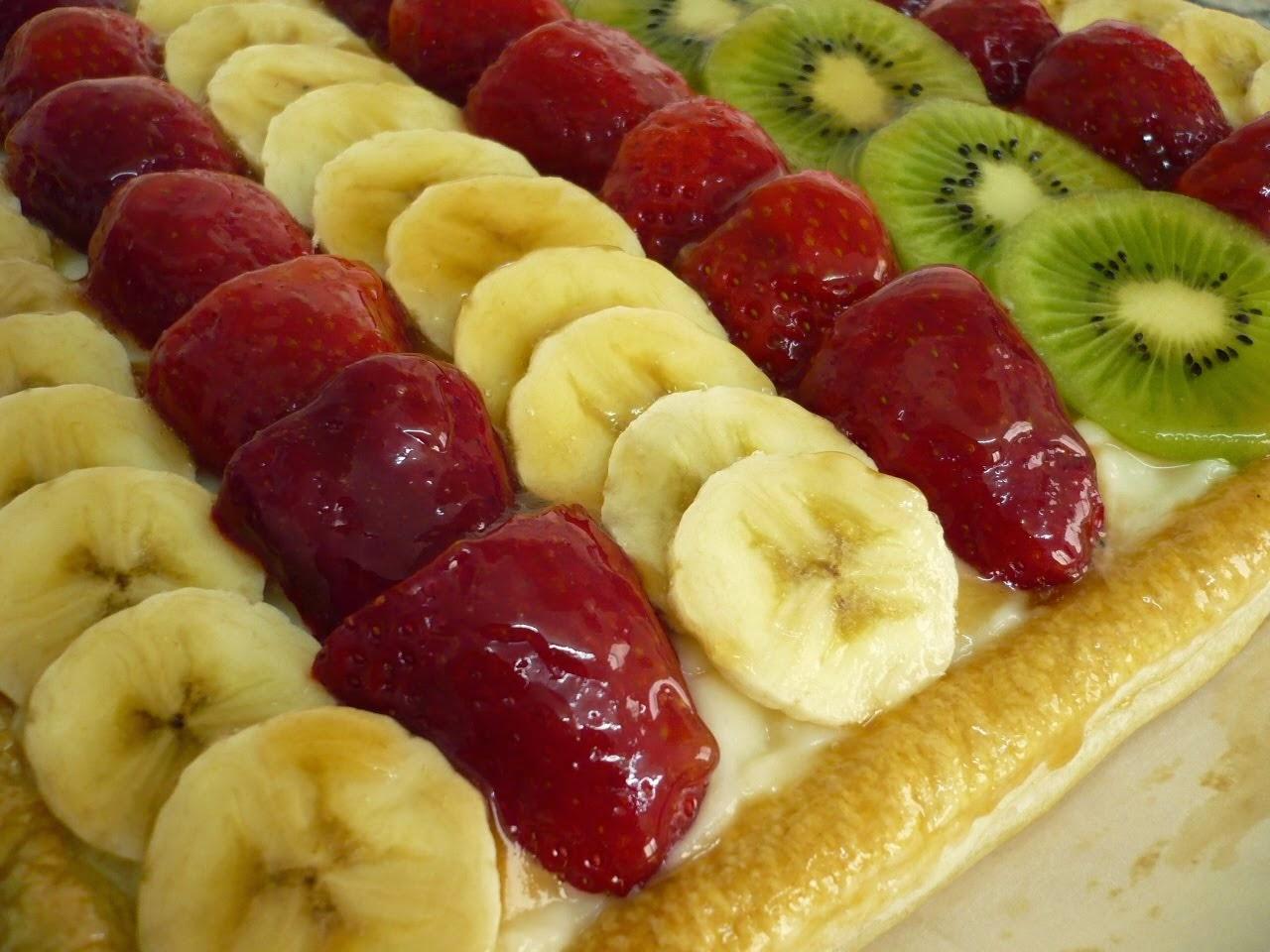 Hojaldritos con frutas de temporada