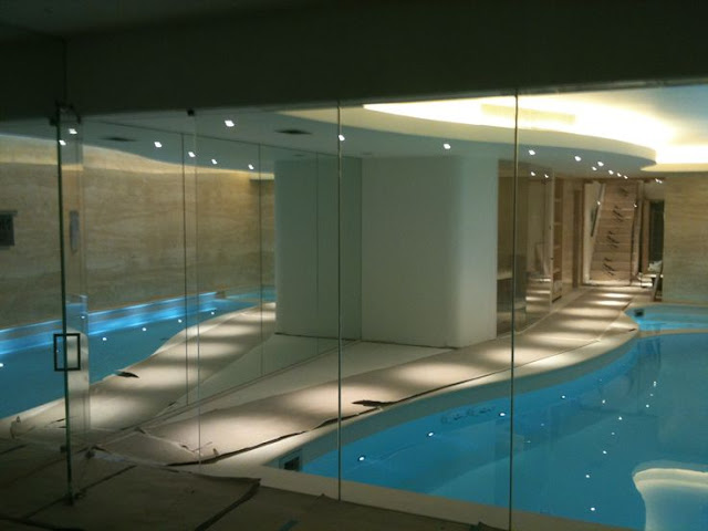 POOL GLASS PARTITION WALL NEW YORK