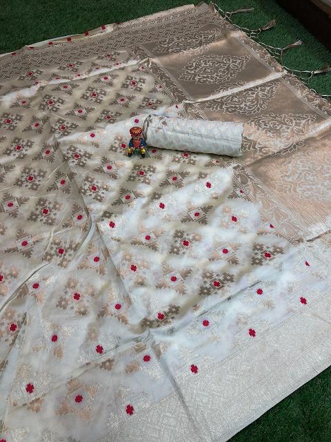 Classic Zari Weave Design Banarsi Silk Sarees