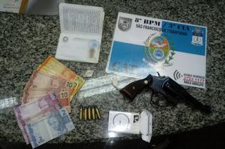 http://vnoticia.com.br/noticia/1726-homem-e-preso-por-porte-ilegal-de-arma-em-sfi