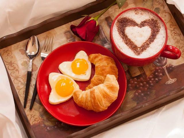 как оформить завтрак валентинками
