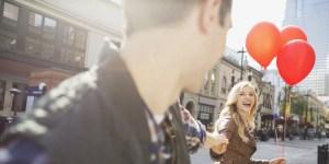 3 Tips Saat Jatuh Cinta Pada Sahabatmu Sendiri