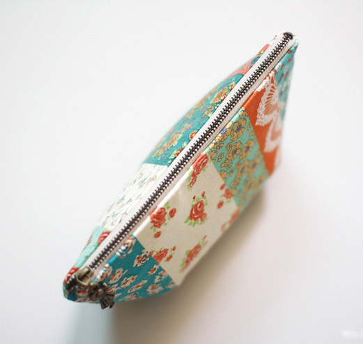 How to make tutorial vintage cosmetic bag purse. DIY step by step tutorial instruction.